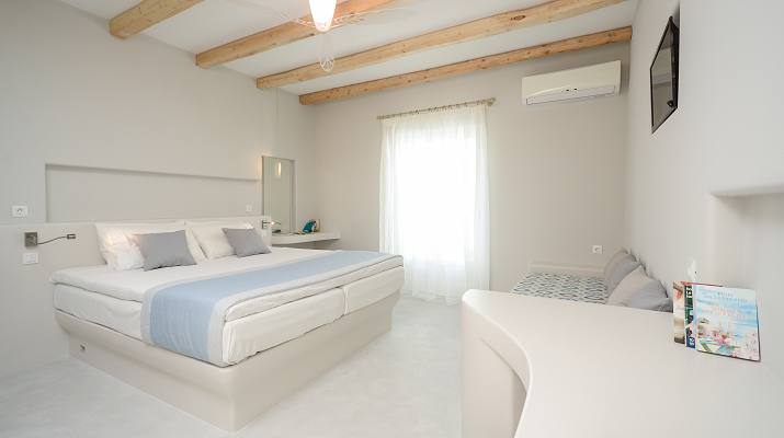 Antony Suites in Naxos